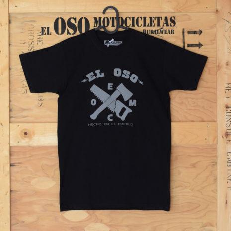 Camiseta negra hecha en el pueblo El Oso Motocicletas