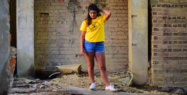 Camiseta amarilla para chica Big Head