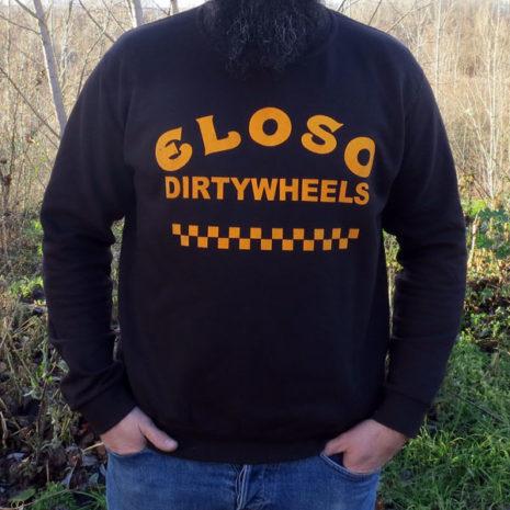 Sudadera El Oso Dirty Wheels puesta